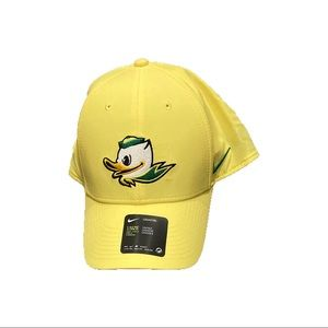 NWT Oregon Ducks Nike Puddles Adjustable Hat Cap